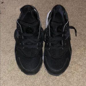 Black Nike Hurache Sneakers